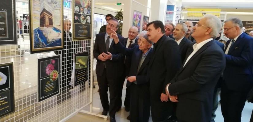 Refet Kavukcunun Ölümden Ölümsüzlüğe Vahdaniyet ve Haşir; Kolaj Resim Sergisi Erzincanda Açıldı