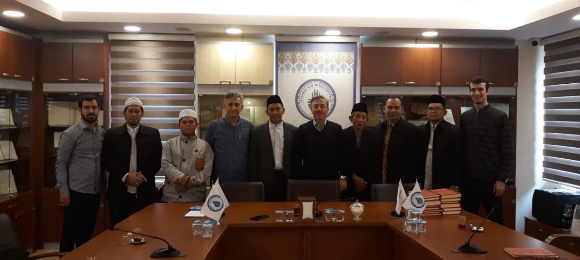 Endonezya Sufi Ulema Meclisi Başkanı: Bediüzzaman Said Nursinin Metodunun İstikametini Takdir Ediyoruz
